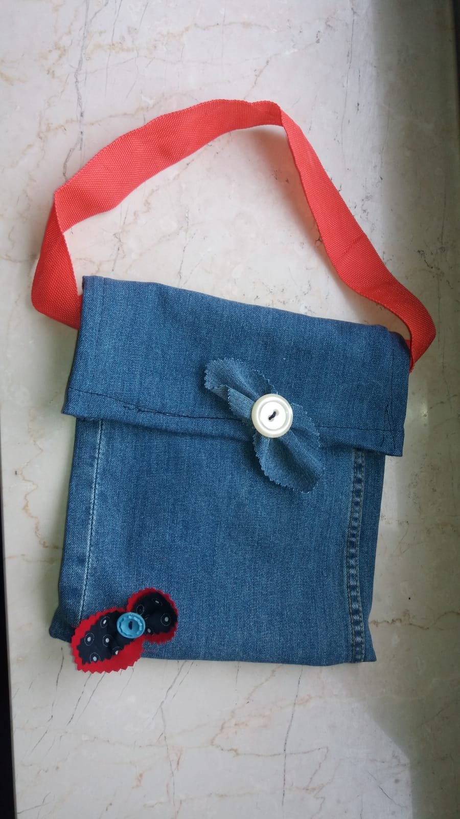 Upcycling: von der Jeans zur coolen Tasche