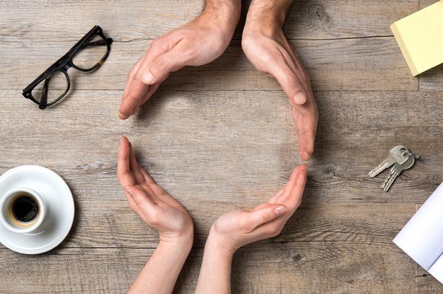 """""""Pflege-Guide"""" – Orientierungshilfe für pflegende Beschäftigte"""