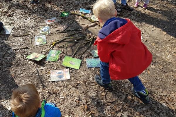 Bild zu Spannende Erlebnisse im Wald für die Familie